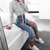 jeans,sweatshirt,cyte,cute,white shoes,shoes,top,ripped jeans,cute outfits,sweater