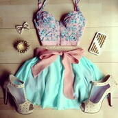 mint,min iskirt,nude heels,pink top,bustier,blouse,crop tops,skirt,dress,skirt & blouse,shoes,top,bralette,blue pink bow,pastel,bow,summer,spring,spring skirt,outfit