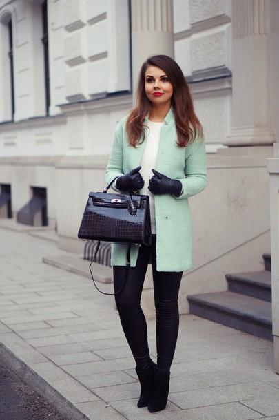 a piece of anna blogger coat bag pants shoes