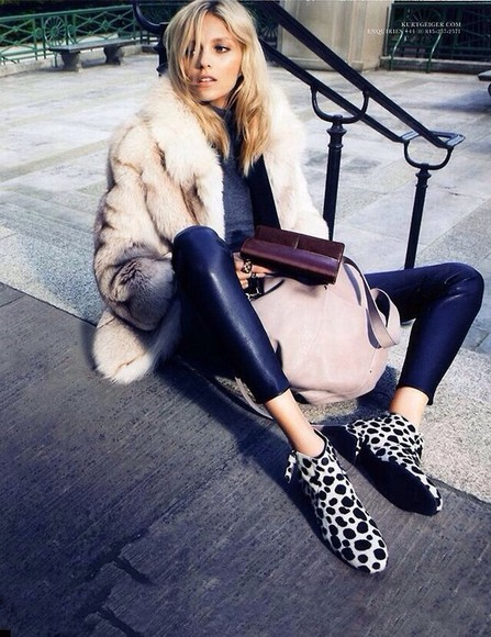 coat fur jacket faux fur fashion winter outfits leggings
