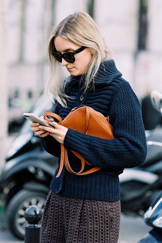 vanessa jackman blogger shoes cardigan sweater jeans