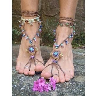 jewels hippie vans bracelets ancle braclets hipster footwear feet urban outfitters jack wills.com hollister