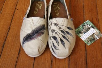 toms shoes white feathers print indian dream dreamcather dreamcatcher