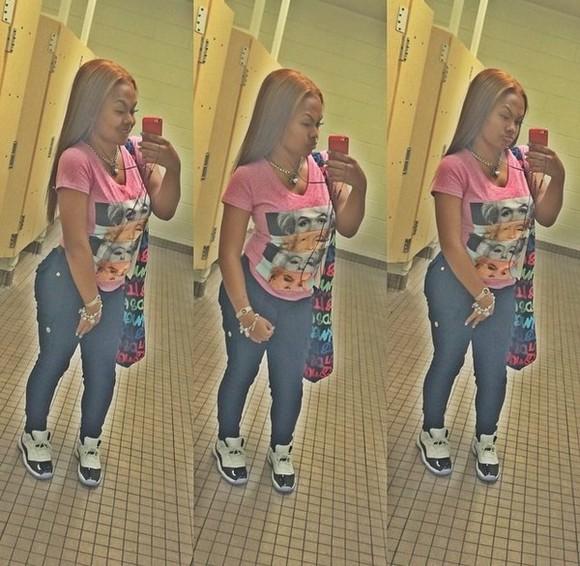 marilyn monroe cute pink shirt short sleeve skinny jeans dark grey tight pockets
