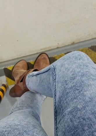 shoes brown shoes jeans acid wash jeans boots