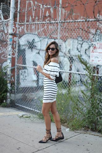 lady addict blogger dress shoes bag sunglasses
