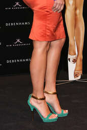 green shoes,gold,sandals,gucci,shoes