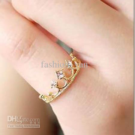 Buy new crown ring lovely wedding ring vintage jewelry fashion band rings $0.9