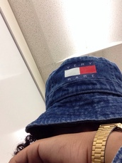 hat,very rare,tommy hilfiger,bucket hat,watch,gold,jeans,blue,red,dope,cool,trill,swag,i'm in love,denim bucket hat,denim,fisherman hat,fashion,sun,bucket hats,bucket hat chinese