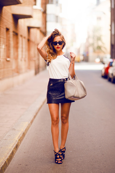bag grey bag kenza skirt t-shirt Belt shoes sunglasses blouse