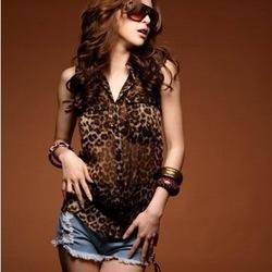 Envío gratis de la mujer 2013 personalizada bolsillo salvaje sexy leopardo de impresión de gasa de vuelta