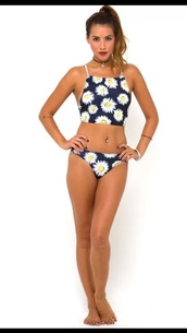 swimwear,daisy,floral swimwear,bikini,tiki tank top