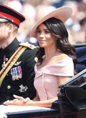 dress,off the shoulder,off the shoulder dress,meghan markle,pastel,pastel pink