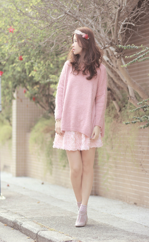 mellow mayo sweater t-shirt skirt shoes bag