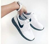 shoes,nike shoes,white shoes,nike running shoes,polka dots,nike,white and black shoes,roshes,black and white,classic,classy,sporty chic,nike run,nike roshe run,nike free run,black and white shoes,white,black