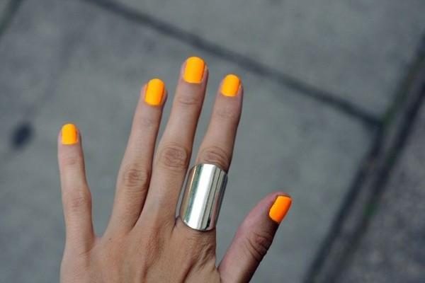 jewels bague nail polish orange nails ring