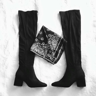 shoes black boots 70s style boho warm chic mid heel boots