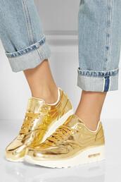 shoes,nike,air max,gold,sneakers,nike sneakers,white,metallic,leggings,nike size4,platform shoes,shiny gold,metallic shoes,trainers