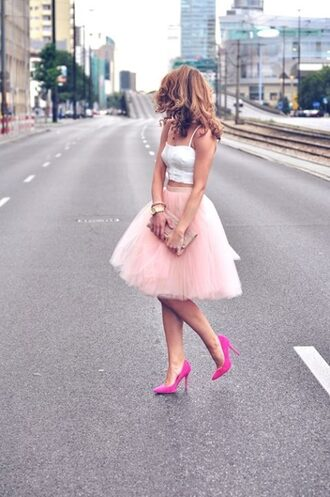 skirt clothes cut skirt tulle skirt shoes shirt white crop tops lace white bustier heels midi light pink baby pink midi length tutu tulle skirt