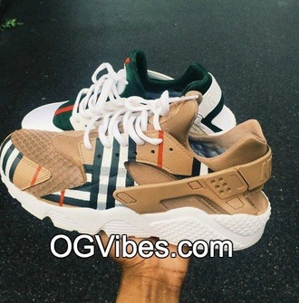 shoes girl girly girly wishlist nike nike shoes nike air burberry custom custom sneakers dope nike hurraches customized nike huaraches nike hurache burberry huaraches custom shoes customized hurraches
