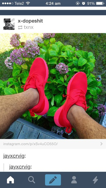 shorts red nike running shoes