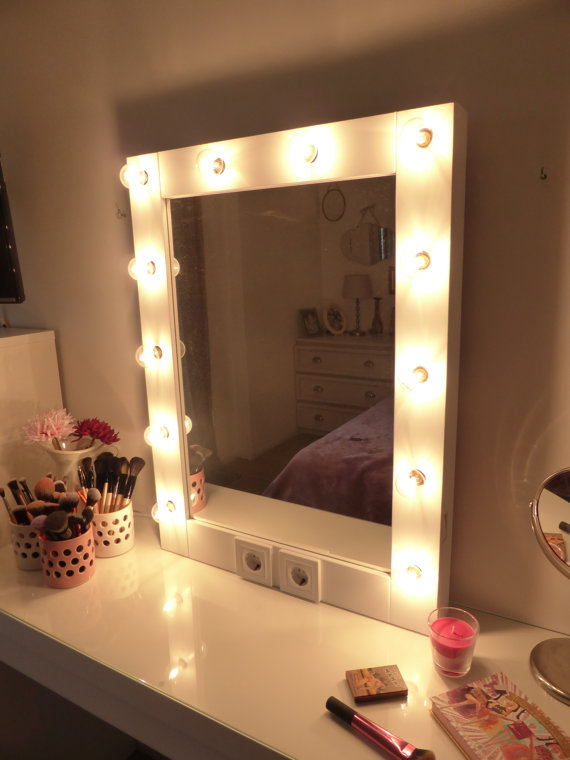 makeup mirror with lights vanity mirror hollywood mirror wall hanging or self standing. Black Bedroom Furniture Sets. Home Design Ideas