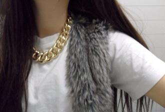 t-shirt gold gold necklace gold chain fur white t-shirt winter coat white grey hoodie fur jacket jewels sweater faux fur vest