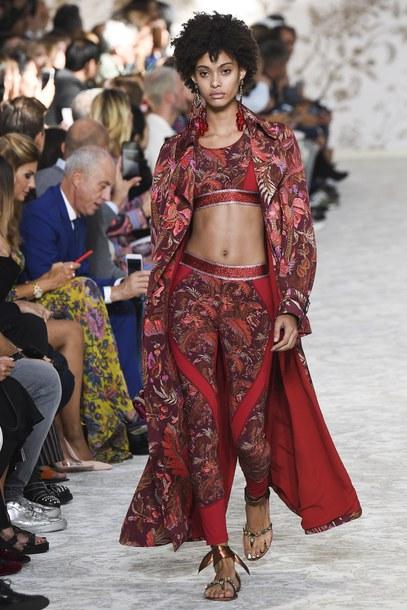 leggings top crop tops pants coat milan fashion week 2017 runway etro red