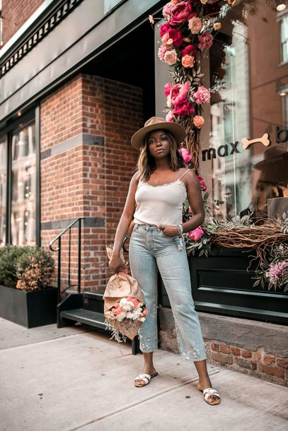 jeans cropped jeans slide shoes white top hat floral