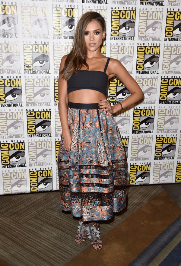 skirt comic con jessica alba top shoes high heel sandals crop tops black crop top
