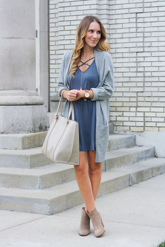 twenties girl style blogger dress cardigan shoes jewels blue dress mini dress nude boots white bag ankle boots bag tote bag grey cardigan long cardigan watch boots high heels boots