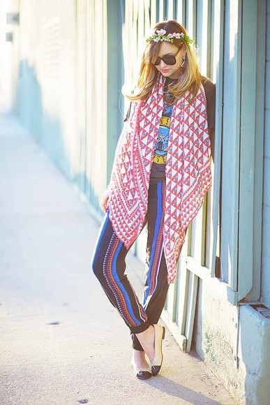 late afternoon t-shirt pants shoes jewels scarf
