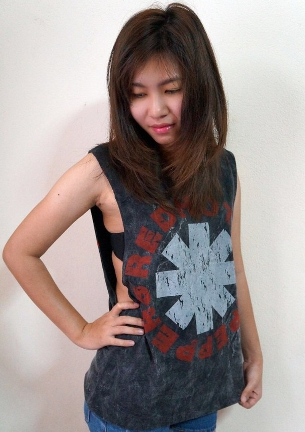 tank top red hot chilli peapers shirt tank top red hot tank top red hot shirt fashion