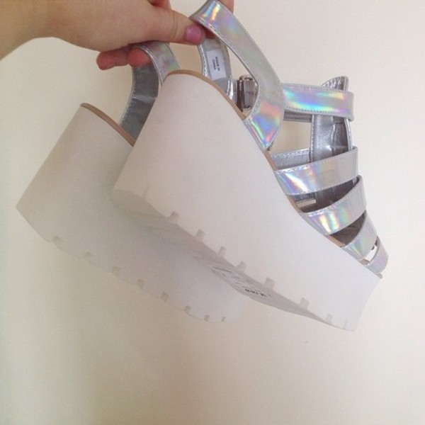 shoes sandals platform shoes soft grunge grunge grunge shoes platform heels holographic holographic shoes holographic iridescent tumblr pastel pastel goth