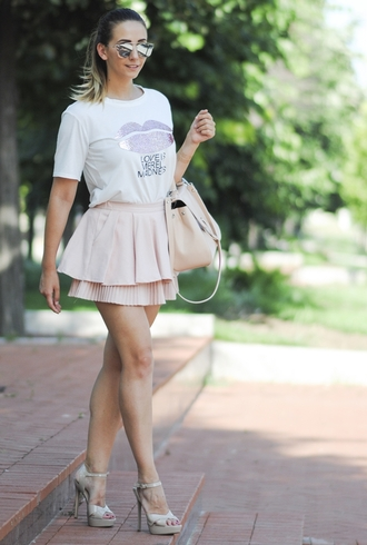 let's talk about fashion ! blogger sunglasses t-shirt bag shoes pink skirt white top graphic tee mini skirt pink bag silver streetwear