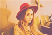 hat,taissa farmiga,red,pretty,american horror story