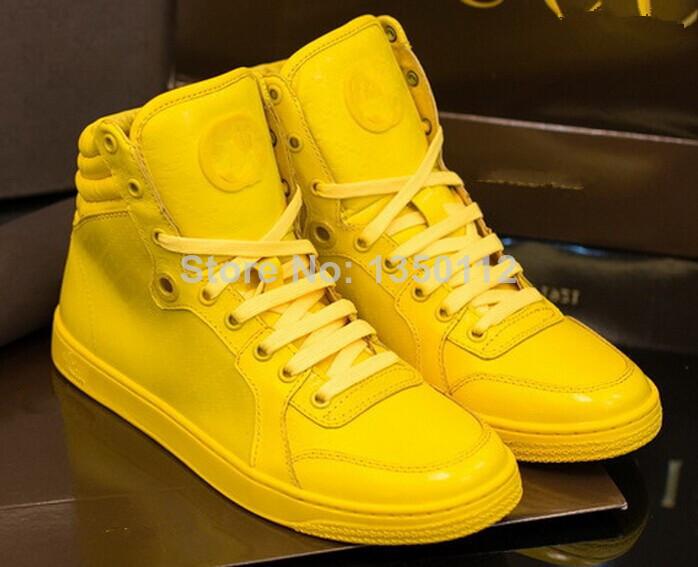 De lujo de la marca zapatos de los hombres kayne west entrenadores azul/amarillo/naranja los hombres zapatos en de en Aliexpress.com