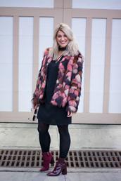 lestylorouge,blogger,jacket,dress,tights,shoes,sunglasses,faux fur jacket,multicolor coat,ankle boots,winter outfits