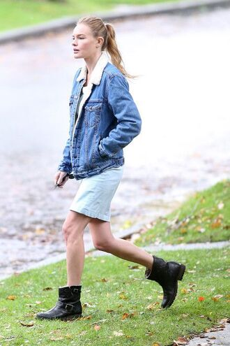 jacket shearling denim jacket shearling jacket shearling denim jacket blue jacket dress mini dress blue dress light blue boots black boots flat boots biker boots kate bosworth celebrity style celebrity