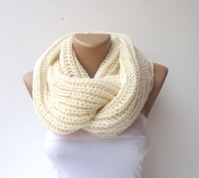 2014 scarf trends ,infinity scarves, women scarf ,crocheted scarf ,men ,circle scarf / fashion scarf / knit / knitting senoAccessory