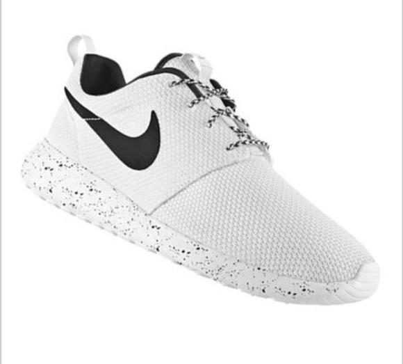 shoes white love black my new babys nike nike roshe run nikeid selfmade