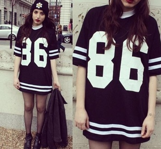 dress baseball tee black and white t-shirt jersey jersey dress t-shirt dress black shirt black dress grunge streetwear beanie leggings sweater hipster it girl shop dope hippie