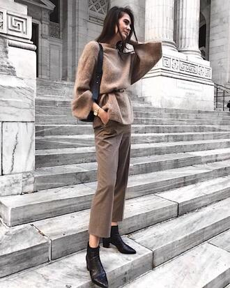 le fashion image blogger sweater pants shoes ankle boots beige sweater beige pants spring outfits
