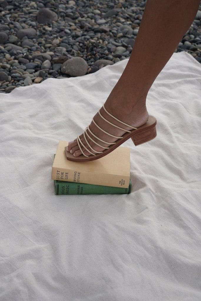 Ines Sandal - Milk