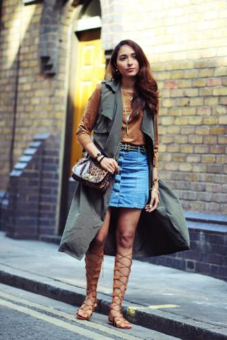 preppy fashionist blogger top skirt jacket bag jewels belt