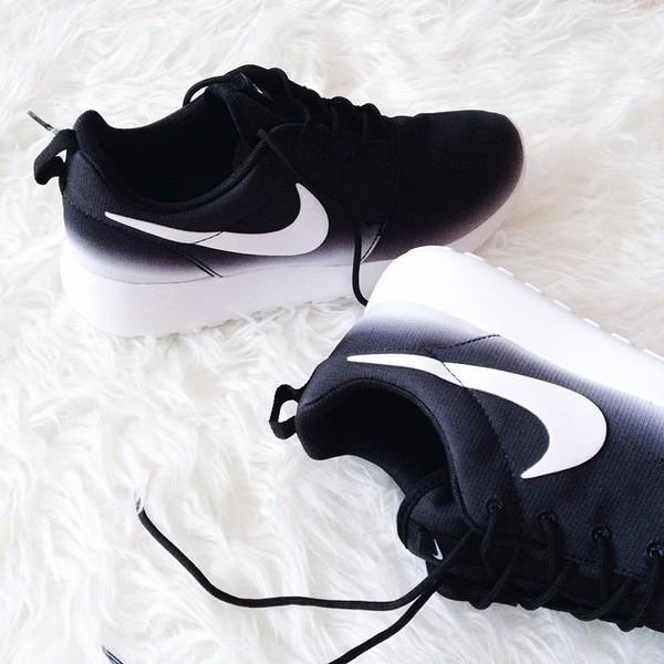 Roshe Run Women Footlocker Nike Roshe Run Women's at