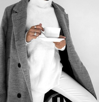 sweater tumblr white sweater turtleneck oversized turtleneck sweater turtleneck sweater coat grey coat coffee jeans white jeans ring grey oversized coat