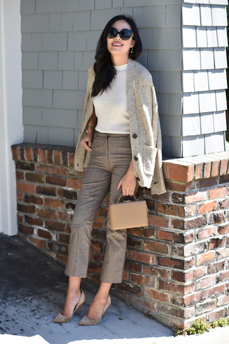 pants grey pants tumblr office outfits cropped pants top white top cardigan pumps pointed toe pumps bag nude bag sunglasses