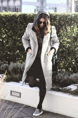 to bruck ave blogger winter outfits grey coat hoodie vans winter coat