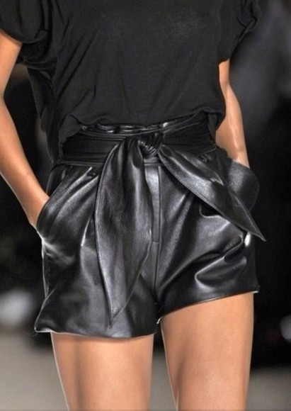 knot shorts black leather